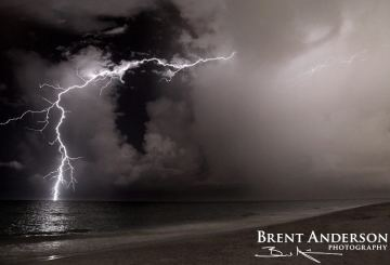 Lightning-over-the-Atlantic-2-web-